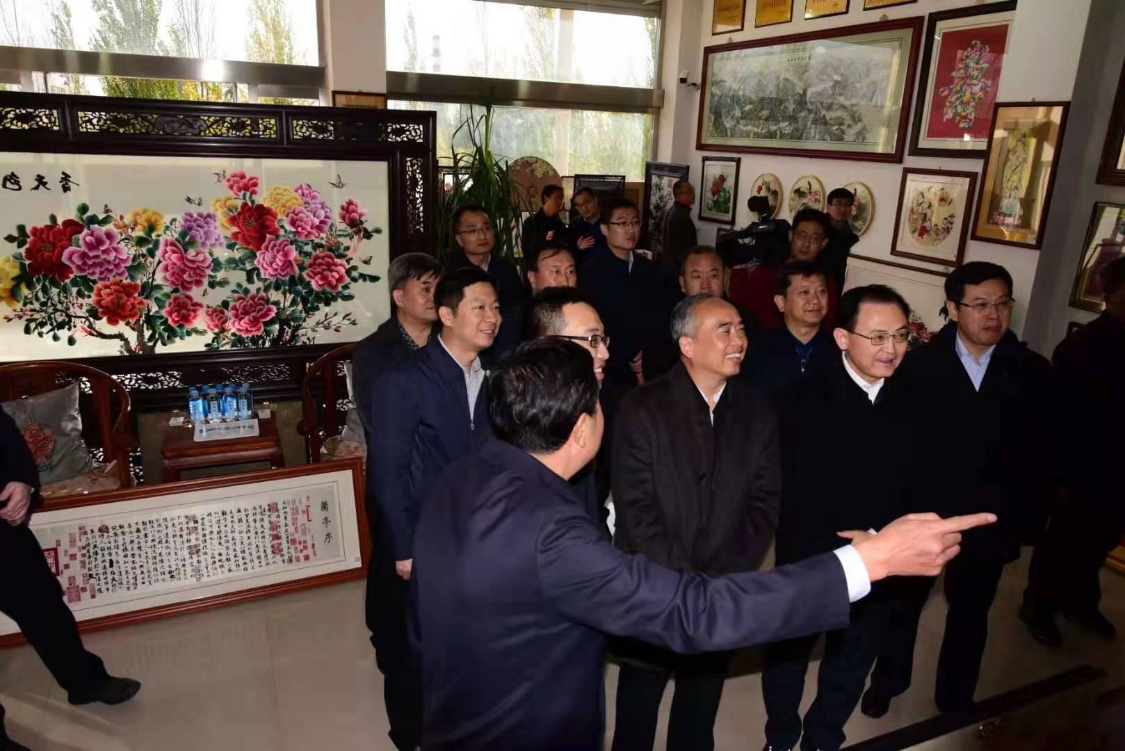 山西省代省长、省委副书记林武深入繁峙县就脱贫攻坚工作进行调研